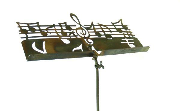 Muziekstandaard brede uitvoering
